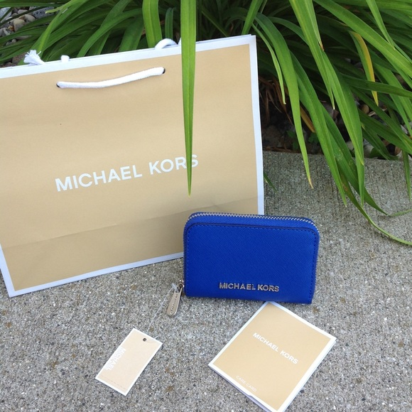 43add06ccd98 Michael Kors Jet Set Zip Around Coin Case Leather